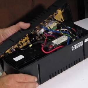 تعویض باتری یو پی اس